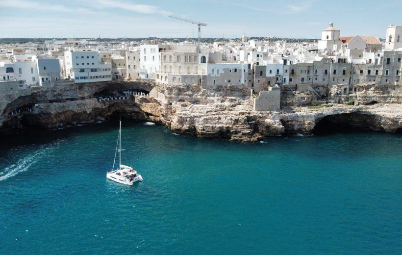 Tour in Catamarano alle grotte di Polignano a Mare